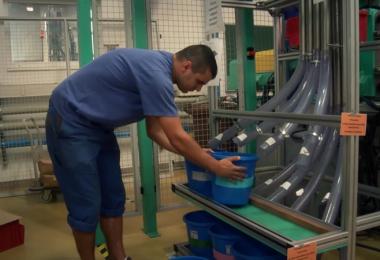 műanyagipari gépkezelés- betanított munka 2